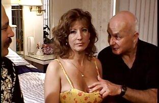 دخترک معصوم, استمناء بیدمشک چاق و چله او در مقابل سایت فیلم سکسی کم حجم وب کم