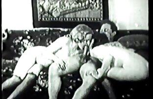 یک کلاسیک واقعی از پورنو کلیپ های کم حجم سکسی ، که در آن نقش اصلی توسط ستاره پورنو افسانه ای Cicciolina بازی می شود